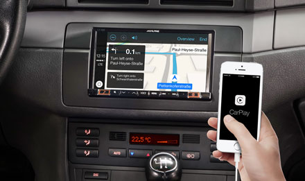 Online Navigation with Apple CarPlay - iLX-702E46